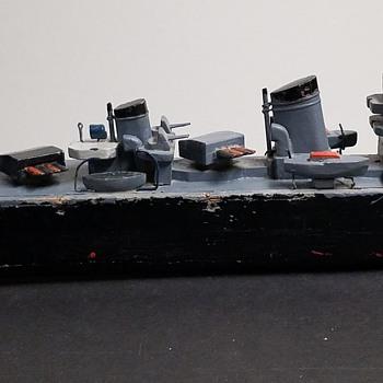 1940s TMY Wood - Battery Powered Battleship  - Toys