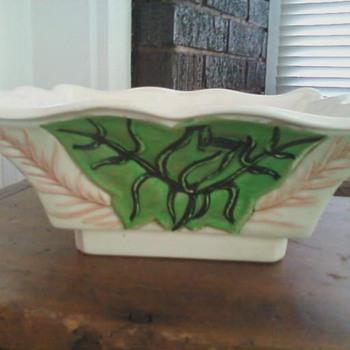 Square white bowl w/ green decoration - Pottery