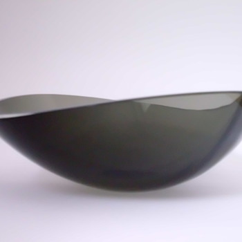 Elegant Gral Glas bowl by Josef Stadler - Art Glass