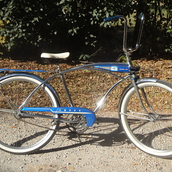 1960 Huffy Silver Jet Bicycle - Sporting Goods