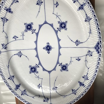 "16"" Oval Royal Copenhagen Platter Need Help Dating - China and Dinnerware"