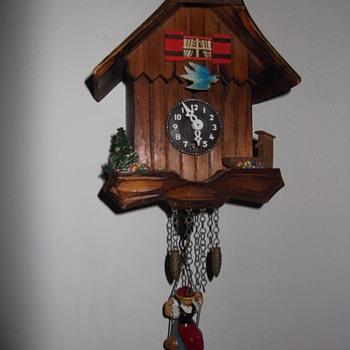 goofy little no name pendulette clock - Clocks