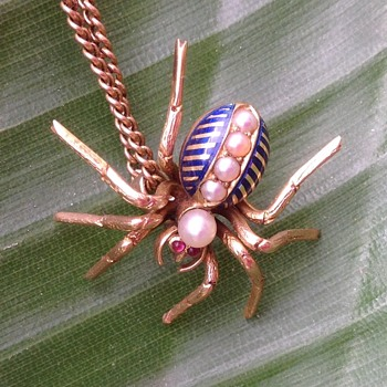 Antique Gold and Enamel Spider pendant