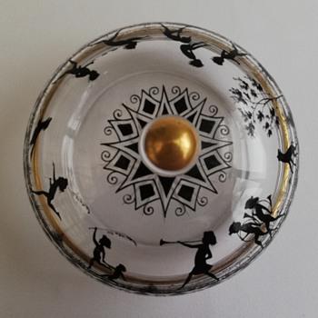 Large Lidded Bowl    Steinschonau ? - Art Glass