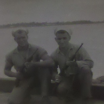 WWII US Navy Sailors.... - Military and Wartime