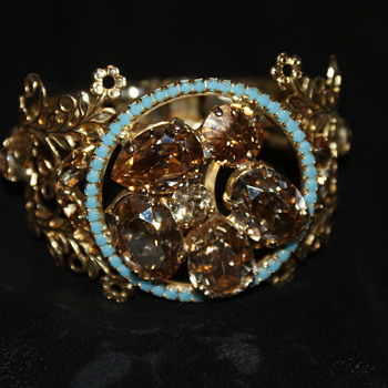 Help, Please:  Unknown Clamper Bracelet - Costume Jewelry