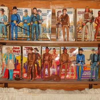 Semi Random Photos of My Marx Johnny West Collection - Toys