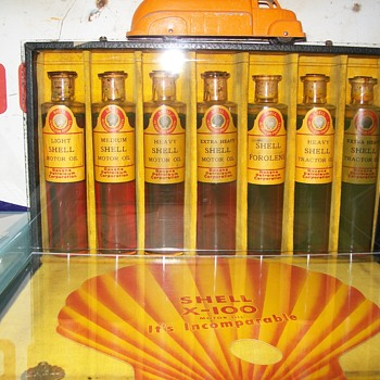 1928 Shell oil Co. oil sample set - Petroliana