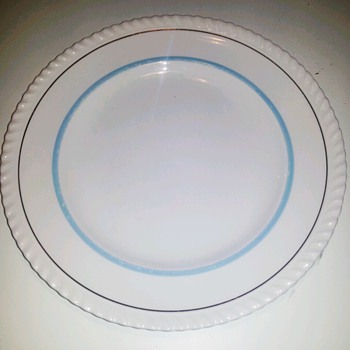 Prince of Whales without the significant ornament?? - China and Dinnerware