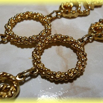 SARAH COVENTRY JEWELRY -- ( Home Parties ) -- 1970'S - Costume Jewelry