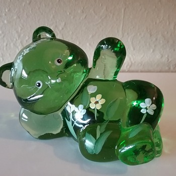 Fenton Glass reclining bear  - Animals