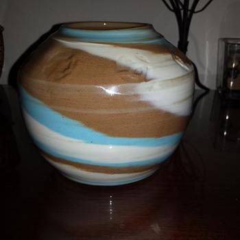 swirl vase - Pottery