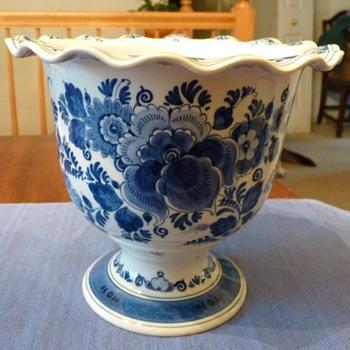 Delft Zenith Vase - Pottery