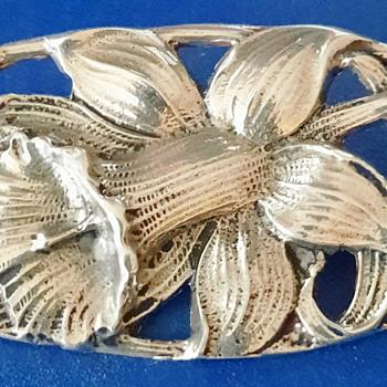 Art Nouveau Sterling (marked) Silver Iris brooch - Art Nouveau