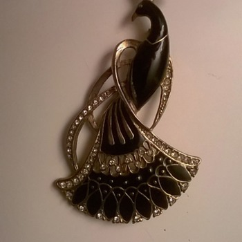 My small collection of costume brooches - Costume Jewelry
