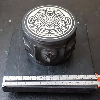 Beautiful black Boma trinket jewelry box.  - Costume Jewelry