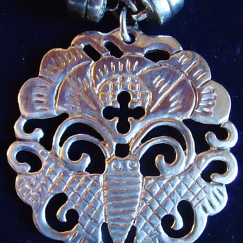 Sterling Pendant  Bee on flower?  Pendant 22.7 grams and fasteners also sterling - Fine Jewelry