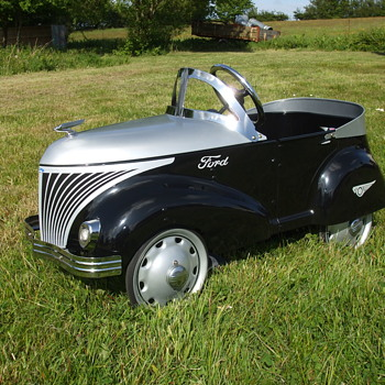 Reproduction Gendron Pioneer Roadster. - Model Cars