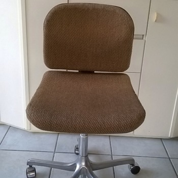 Circa 1970 Girsberger Switzerland Euro Office Chair Thrift Shop Find 5,00 Euro ($5.58) - Furniture
