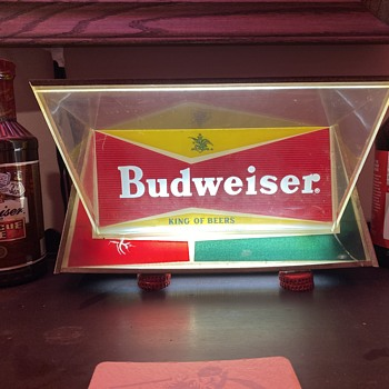 Budweiser bowtie light - Breweriana