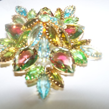 What type of brooches are these? Juliana? Watermelon glass? Czech? - Costume Jewelry