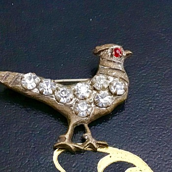 Antique bird brooch - Costume Jewelry