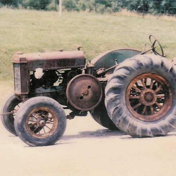 1934 John Deere D - Tractors