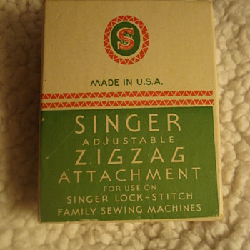 SINGER ATTACHMENTS - Sewing