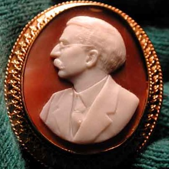 Cased cameo of past Governor of Vermont - Victorian Era