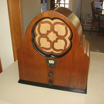Rare Davison-Haynes Angelus Cathedral Tube Radio 1930
