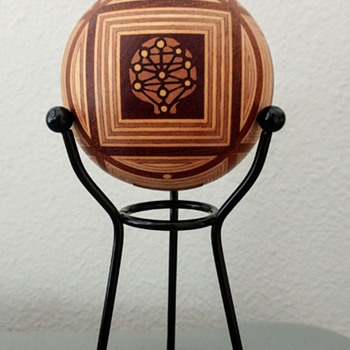 Myterious wooden ball - Toys