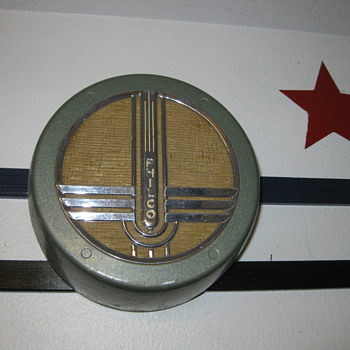1940's Art Deco Philco wallbox speaker