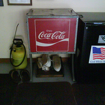 Can anyone tell me if this cooler is worth saving? - Coca-Cola
