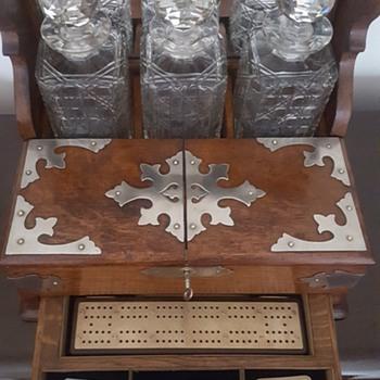 victorian Oak games tantalus - Victorian Era