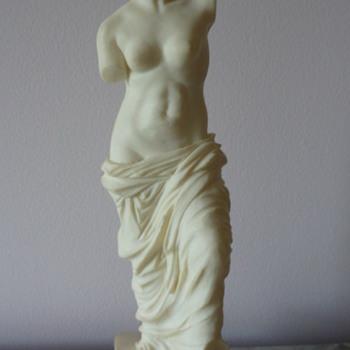 Venus de Milo Figurine - Figurines