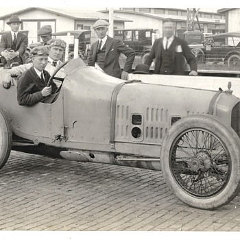 Anyone recognize these racers? - Photographs