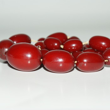 Bakelite Vintage Necklace - Costume Jewelry
