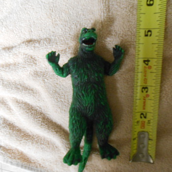 Rubber Godzilla 1978 toho co. Ltd. 5 inch figure (7 with tail) - Toys