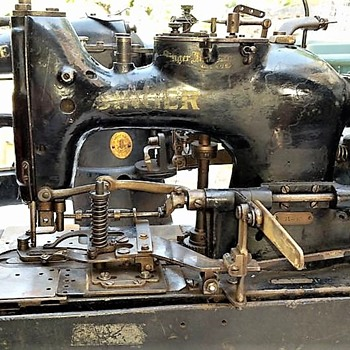 1922 or 23 Singer 71-30 industrial buttonholer