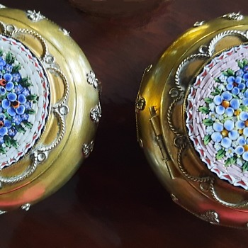 Two 19th century Micro Mosaic forget me not flower trinket boxes - Furniture