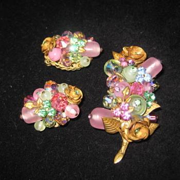 brooch and earring set is from JONNE' - Costume Jewelry