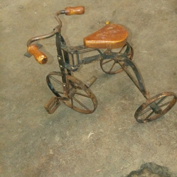 Vintage metal tricycle - Toys