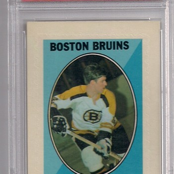 A Rare PSA 9 Bobby Orr 1970-71 Topps/OPC Hockey Sticker Stamp Insert - Hockey