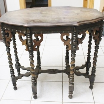 Beautiful Table possibly Eastlake - Furniture