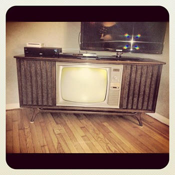 1966 RCA Victor Television - Mid-Century Modern