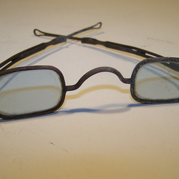 Inherited spectacles - Accessories