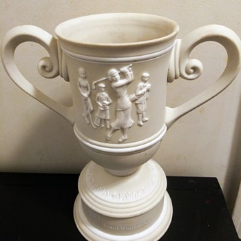 WOMAN'S GOLF TROPHY CUP - Sporting Goods