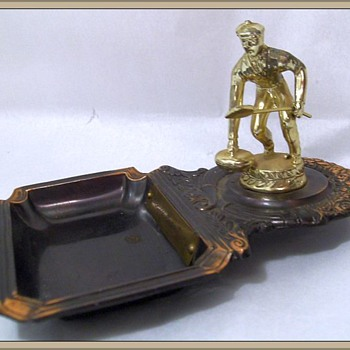 1961 - Ashtray and Trophy ( Curling ) - Tobacciana