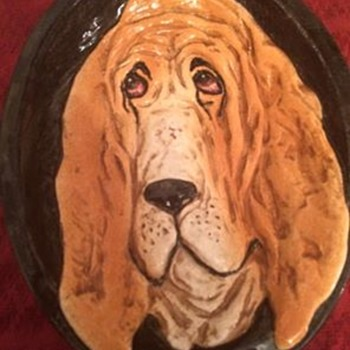 """Ceramic or clay sculpture bowl-like wall hanging. Made in Italy. 12"""" h x 9"""" w x 3"""" d.  - Animals"""