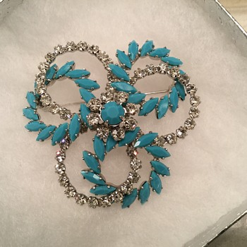 SHERMAN TURQUOISE & CLEAR SET w/ two pairs of earrings! - Costume Jewelry